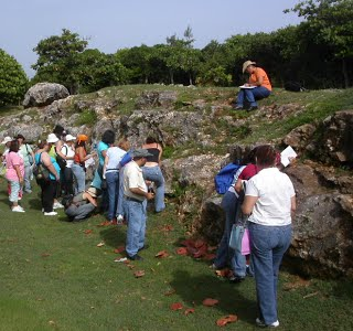 Inservice teacher geoscience education research, Quebradillas, 2006. Picture by P. A. Llerandi-Román.