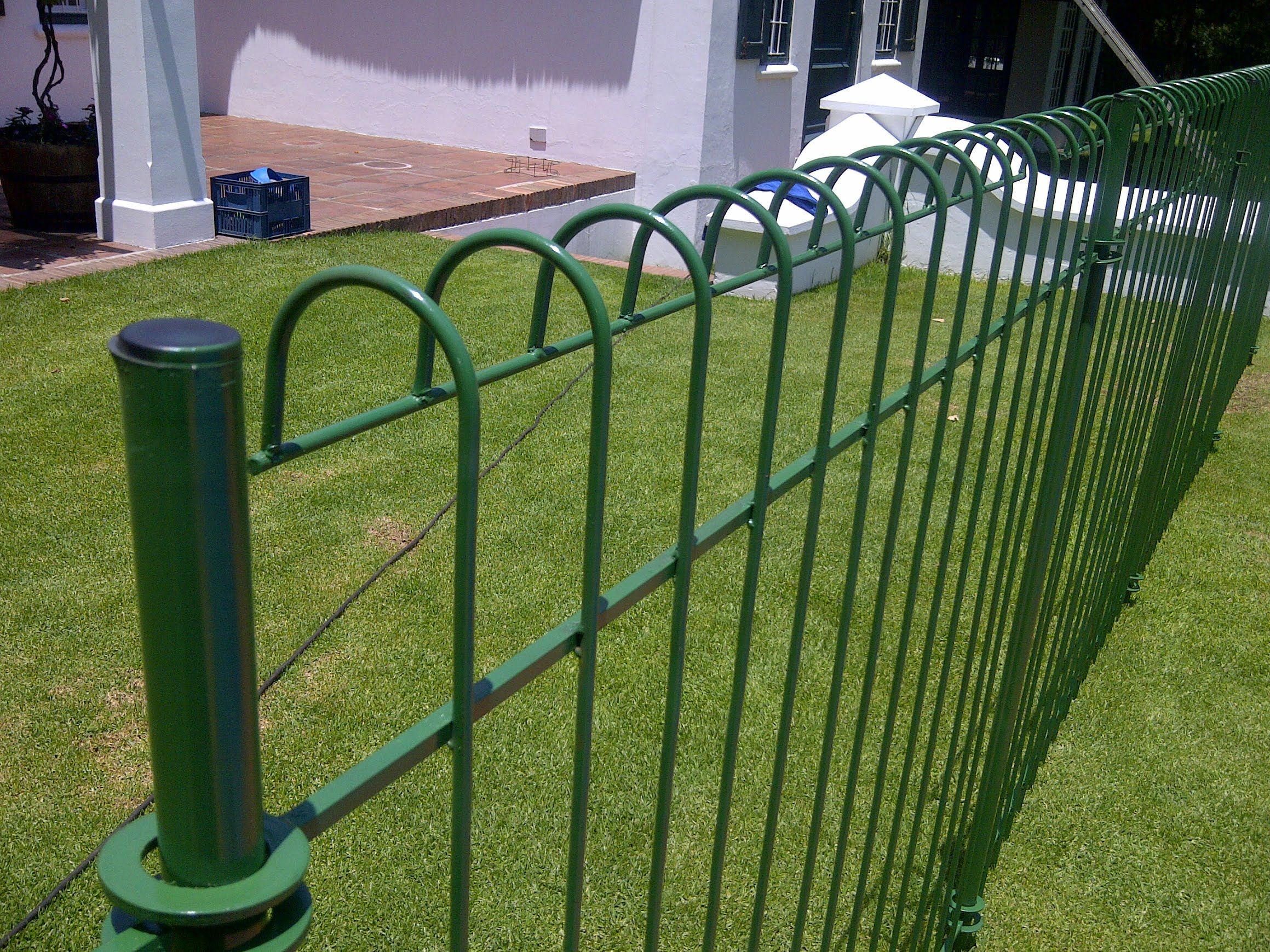 Pool fencing - Swimming pool fencing options consider ...