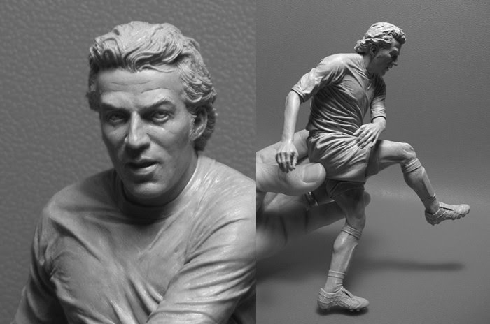 soccer player sculpture