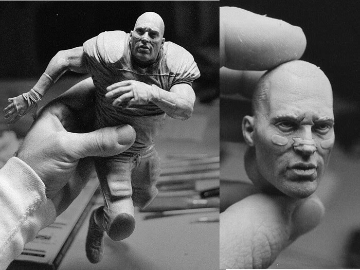 sculpture football player