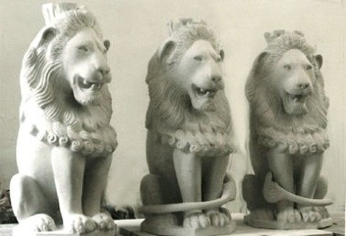 3 lion sculptures carved in stone by master sculptor artist gary churchman