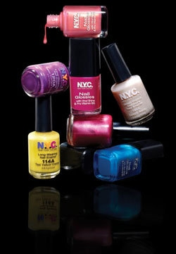 22035 1309932315709 1452642104 867778 2427093 n New Types of nail polish and painting the manicure