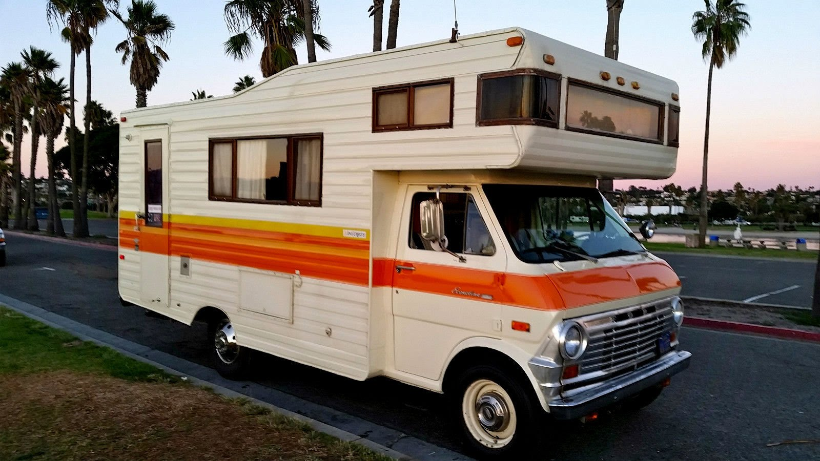 Recreational vehicles prices for Rv motor home rentals