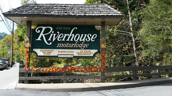 Remember riverhouse motorlodge for Motor lodge gatlinburg tn