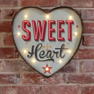https://sites.google.com/site/rubyrockcakegbbo00/let-s-shop/Lights/sweet_heart_light.jpg