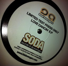 SOUL AVENGERZ - Loves Coming At Ya / Dancing In My Sleep 12""