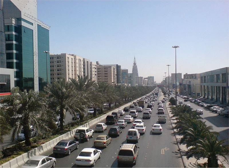 ����� ����� �������� ����� 800px-KING_FAHD_ROAD_FEB1.jpg