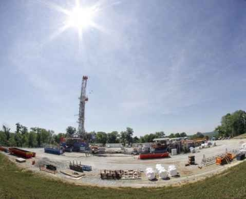 Air pollution from hydraulic fracturing operations