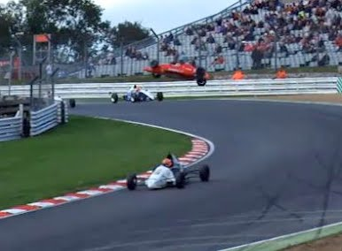 Huge Airbourne Formula Ford crash