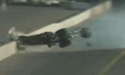 Dragster crashes 320 mph