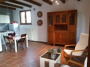 https://sites.google.com/site/sottolamoleapartments/casa-dei-fiori---moransengo-asti