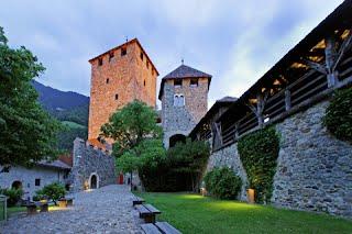 Schloss Dorf Tirol in der nähe von Meran in Südtirol