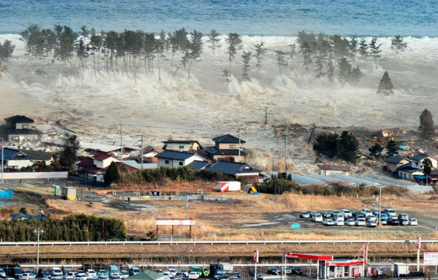 cause and effect of tsunami essay
