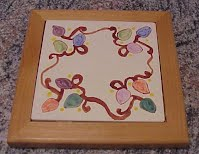 https://www.ebay.com/itm/My-8-Trivet-Christmas-Holiday-Lights-Hand-Glazed-Painted-by-Me-TTT/224166844344?hash=item34316297b8:g:24MAAOSww5lfaoFW