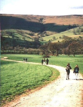 Thorpe Farm Bunkhouses - walking from the farm to Hathersage