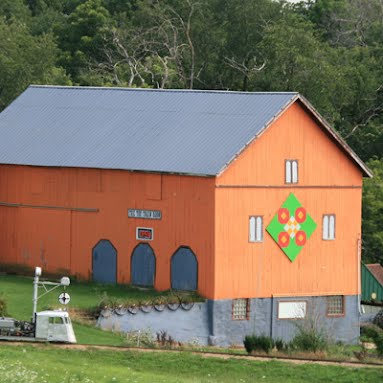 TOY TRAINBARN