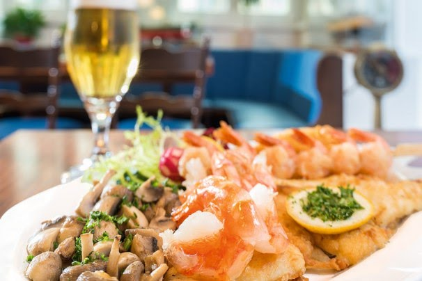 Dining travel unlimited bremen this consists of the kunsthalle art gallery gerhard marcks house wilhelm wagenfeld house and the bremen theatre which stages both opera and plays publicscrutiny Image collections