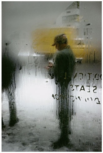 Saul Leiter - Dancing in the street - Musée Nicéphore-Niépce - Chalon-sur-Saône dans EXPOSITIONS Saul_Leiter_Snow