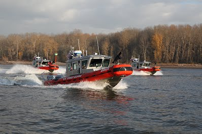 United States Coast Guard Auxlilary Flotilla 73 boating on the Columbia River
