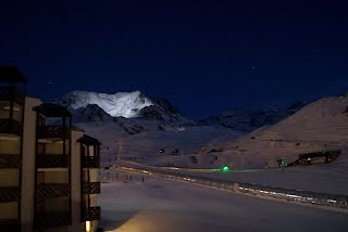 https://sites.google.com/site/locationskiavalthorens/photos-d-hiver/nuit%20%C3%A0%20val%20Thorens.JPG