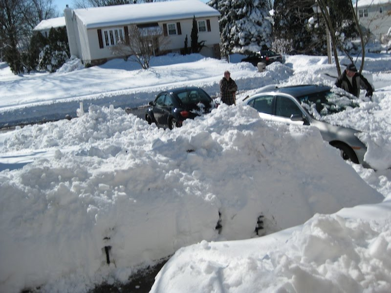 https://sites.google.com/site/vervemonkeyproject/Home/images/web-images/Porch_snowpile_2-10-10_small.jpg