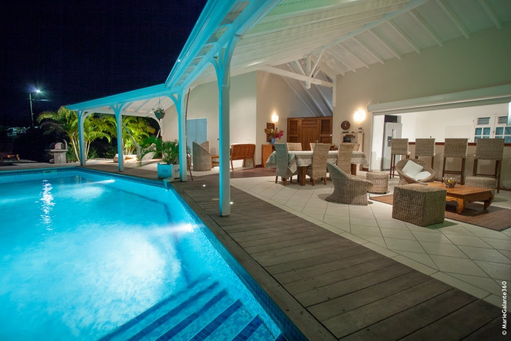 photo maison villa marie galante suite 3 location ForPiscine Eclairee La Nuit