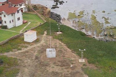 https://sites.google.com/site/wayneholder/differential-gps-with-ublox-modules/RererenceMasts.jpg