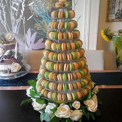 French Macarons Hampshire Isle Of Wight Portsmouth Southampton Couture Wedding Cakes Hampshire Isle Of Wight